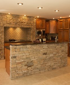 colonial tan ledgestone veneer corners