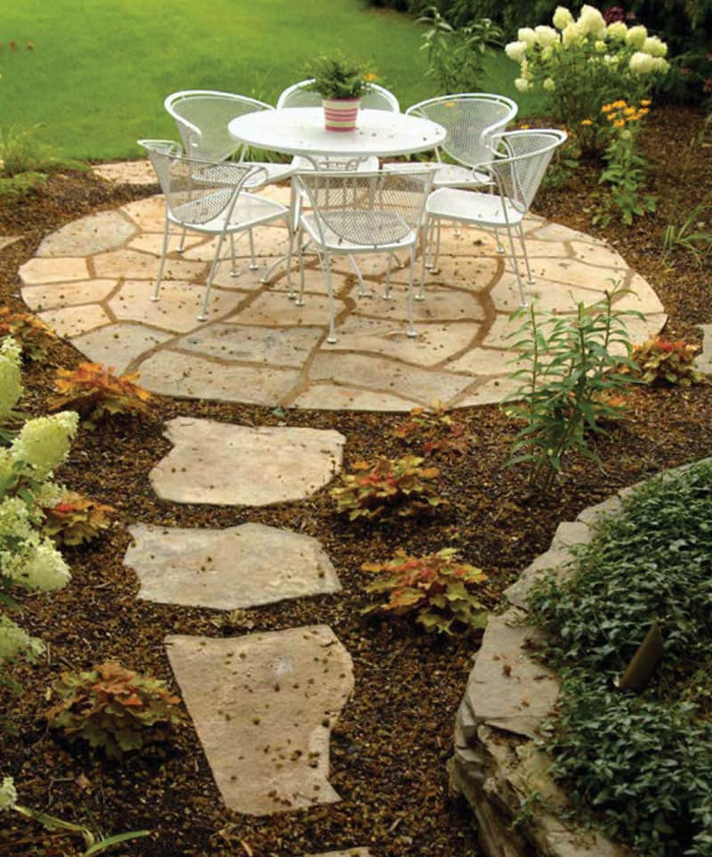 grand_flagstone_patio_walkway