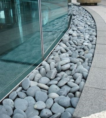 "3-5"" black beach pebbles"