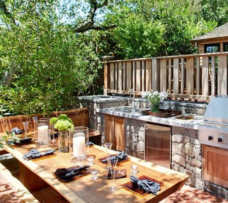 outdoor-kitchen-live-edge-slab