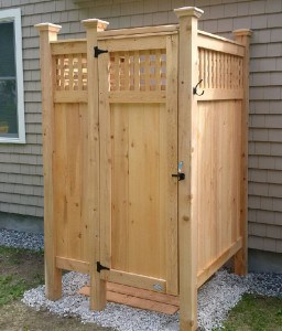 Outdoor Shower with Lattice
