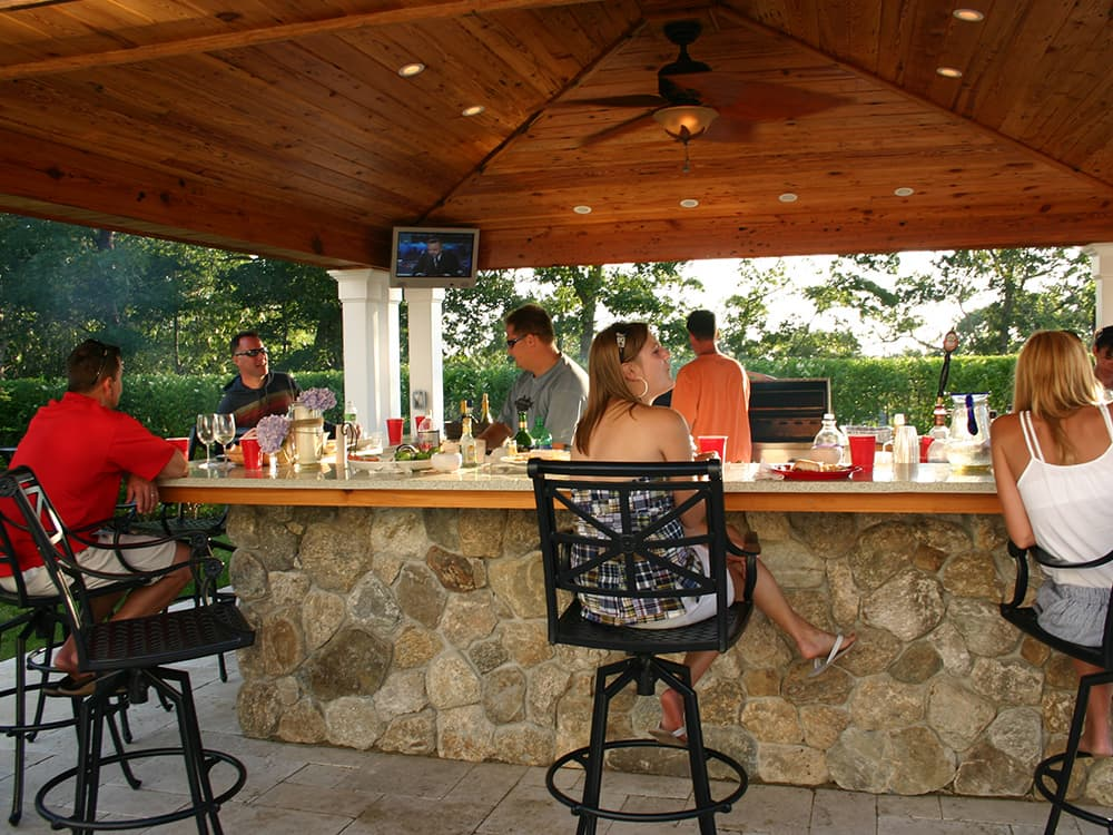 Photos of outdoor kitchens entrancing best 25 outdoor for Outdoor kitchen equipment