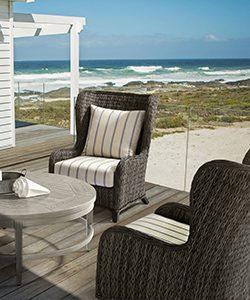 outdoor-furniture-patio-installation