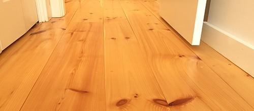wood flooring pine plank
