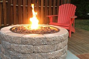Circular Gas Fire Pit with Lava Rocks