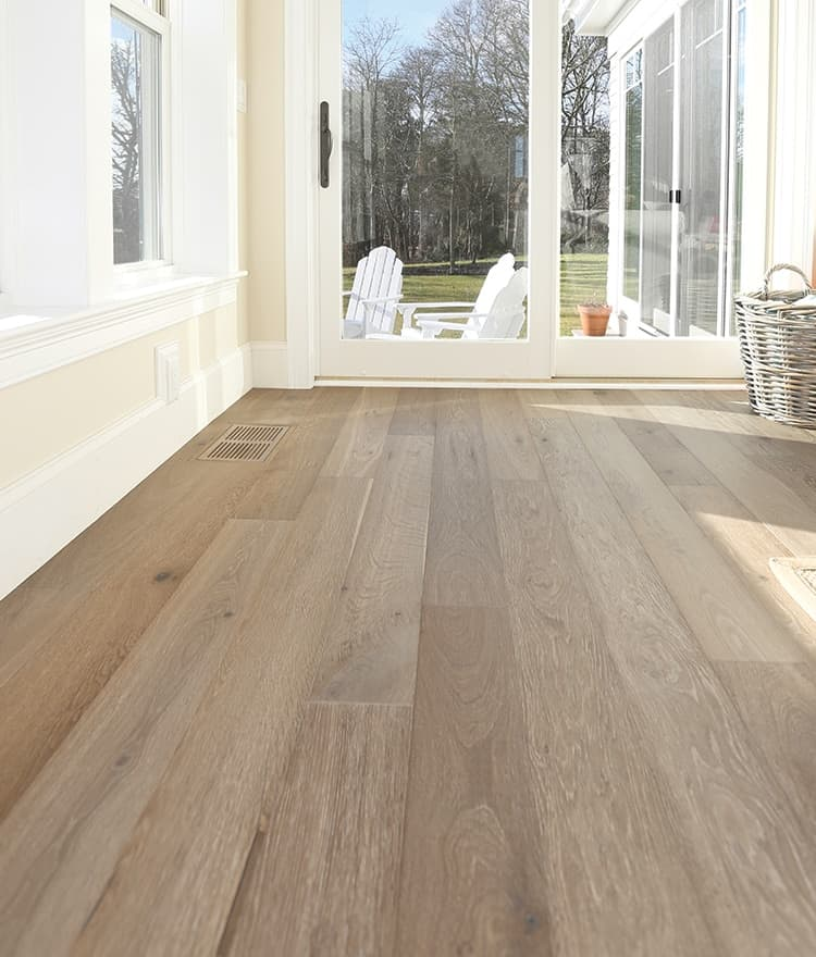 Prefinished wide plank flooring floor matttroy