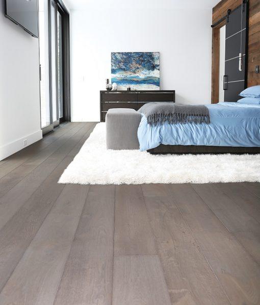prefinished-hardwood-wide-plank-wood-flooring