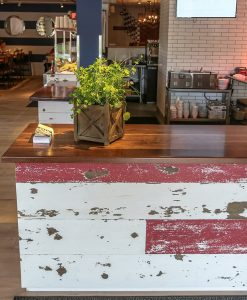 Lighthouse Cove Weathered Wood Ruby Red & Ivory White Mixed